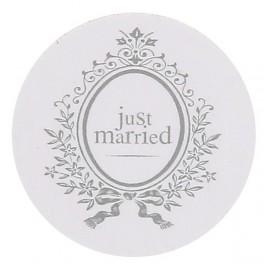 Pak met 50 confetti stukjes Just Married wit