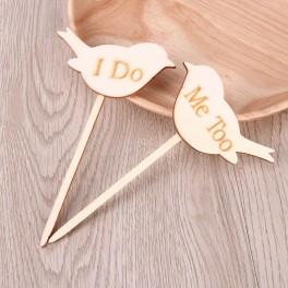 Tweedelige set houten vogeltjes op houten steker I Do en Me Too