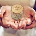 Houten ringendoosje met dekseltje en de tekst Marry Me