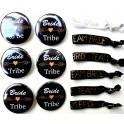 Set met 6 buttons en 6 armbanden Bride to Be en Bride Tribal zwart met goud