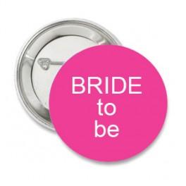 Button donker roze met eigen tekst strakke letter